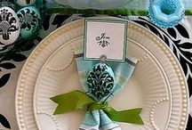 Design Napkin Please!! / Napkin presentation & table settings and more