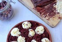 Chocolat, chocolat ! / Le thème du tableau ? Le chocolat bien sûr ! Voici quelques recettes et réalisations salées ou sucrées à base de chocolat.
