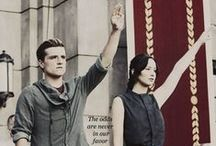 Hunger Games/ Jogos Vorazes / THE HUNGER GAMES, CATCHING FIRE AND MOCKINGJAY / by Mariana Torquato