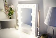 White Makeup Mirrors / Classics