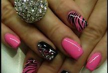 I love nail art!