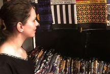 Kitenge Fabrics / Thamani Fashion verweeft de mooie Afrikaanse batikstoffen in haar kleding. Op dit bord krijg je een indruk van deze bijzondere stoffen!