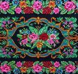 Kilim bathmat / Badkamer in oosterse sfeer maken in bohémien zwart met kleuren rozen rozenkelim of in oriëntaals blauwe badmat, maar ook lief roze patchwork badmat.