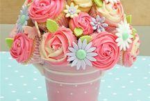 Cupcake / cake pop art / Cup cake bouquet