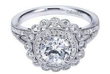 Engagement Rings / Engagement Rings in all shapes, sizes and price points available.