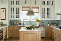 Kitchens / Dream kitchens, and practical ideas that any homeowner can use to make their kitchen more functional and homey.