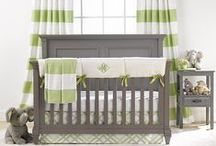 Kiwi Green Nursery / Green is such a fresh and vibrant color and it looks so elegant in a nursery!