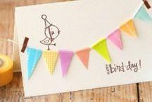 kaarten knutselen en inpakpapier op vrolijke