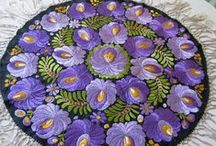 The beautiful embroidery matyó / www.itsHungarian.com : tourism, gastronomy, culture, folk art webshop  - worldwide from Hungary!
