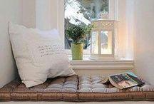 Interior Design | READING CORNER . angolo lettura