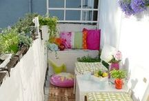 Outdoor Design | LITTLE BALCONIES . piccoli balconi / Ideas for gorgeous little outdoor spaces