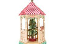 Hallmark Collectibles / Hallmark Keepsake ornaments, lapel pins, Merry Miniatures and other collectibles