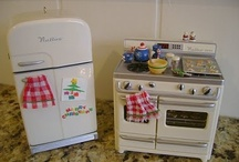 Dollhouse Kitchen / Dining / by Robbin Day