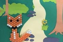 Aquabeads Scenes / Aquabeads with exciting paper backgrounds to bring the creations to life!