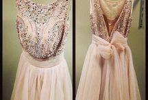 Dresses / Jag är beroende av klänningar