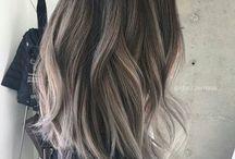 Hair inspiration / Vackert, vimsigt, sött, uppsatt, udda, långt, kort, lockigt, blommor, tufft.   Frisyrer, accessoarer och sådant i hårväg.