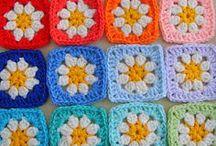 «Бабушкины» квадраты ❁ Granny squares / Вязание крючком в «бабушкином стиле»: вязание разноцветных кругов, квадратов и прочих многоугольников. Colorful granny squares, circles and other figures.
