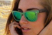 Elles i les Ulleres de Sol / Estil en Moda de Sol per Dona