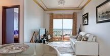 Ajuda I / This stylish apartment is located in Lido, just 5 minutes by car to the city centre, next to a Shopping mall and seafront promenade. The balcony has an excellent view over the Ocean, perfect to enjoy the sunset with a glass of Madeiran wine in hand.