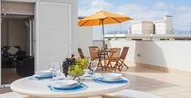 Jasmineiro III / Jasmineiro, spacious and comfortable  With two bedrooms, lounge, pool, living room, and equipped kitchen, this modern apartment is five minutes walk from the heart of the city.