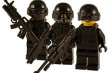 Gamer Style Custom Lego Figures / A range of custom minifigs inspired by computer gaming. Created using LEGO® parts and some great custom weapons and accessories.