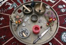 A l t a r s / Altars for witches and pagans!   Gems Wands Statue Symbols Incenses Candles Pictures Magical artifacts