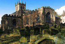 Belas esculturas em Cemitérios / Esculturas e enfeites encontrados nos antigos cemitérios do Brasil e do mundo.