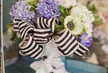 wedding flowers / Find the wedding flowers shops near the wedding ceremony with the wedding website and make the wonderful wedding decorations with the wedding website.