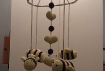 Baby mobile - bees / I have been inspired of a baby mobile modell which sells at houzz.com and decided to create an own version of it. I used several free crochet patterns to create my version of the mobile.