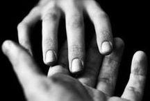 Scene . Touch is intense . L'importance du toucher / Characters / actors and scenes for touch, kiss, hand, skin... - personnages / acteurs, scènes : le sens du toucher, la peau, les mains, les caresses, les baisers | Writing & Cinema inspiration |