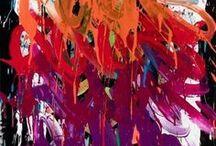 JONONE / John Andrew Perello alias JonOne, est un artiste graffeur né à New York dans le quartier de Harlem.  JonOne se distingue des autres artistes graffeurs par l'attention qu'il porte au mouvement et à la couleur plutôt qu'à la figuration, tout en s'inspirant des grands maîtres de l'expressionnisme tels que Kandinsky, Matisse ou encore Pollock.  Il est à ce jour le plus important expressionniste abstrait en activité, issu du monde du Graffiti.