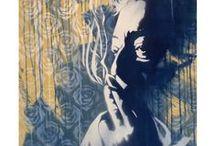ZAPATA / Rénald Zapata est un artiste français né en 1973.   À la fois peintre, performeur et street artiste, la production artistique de Zapata commence au début des années 90 et la reconnaissance arrive au début des années 2000.  Utilisant toutes sortes de techniques ou de médiums différents pour créer, il privilégie le pochoir et l'acrylique pour aborder un large panel de thèmes tels que la musique, le cinéma, la danse...