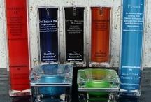Blackbox Cosmetics / De cosmeceuticals productlijn van BlackBox Cosmetics is een voor Nederland nieuwe en geavanceerde lijn aan huidverbeterende producten.  De BlackBox producten zijn voedende rijke anti-oxiderende producten die geen schadelijke chemische product