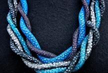 gioielli / una carrellata di gioielli e bijoux creati dalle mum in ART