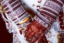 Name Wedding Bangles / Get couple name on wedding bangles visit http://www.weddingbangles.co.in/name-wedding-bangles