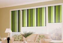 Žalia spalva namų interjere / Harmoniją ir pusiausvyrą simbolizuojanti žalia spalva – puikus pasirinkimas tiems, kurie savo namų interjerą nori paversti tikra gamtos oaze! Jei kambario sienoms ir langų uždengimams pasirinksite būtent šią spalvą, ji ne tik ramins, padės įveikti emocinį susikaustymą, bet ir nuteiks kokybiškam miegui. Dėl šių savybių žalią spalvą rekomenduojama pritaikyti svetainės ar miegamojo interjere. Apsižvalgykite Domus Lumina idėjų lentoje ir raskite savo mėgiamiausią derinį!