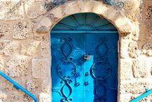 Drzwi, bramy, wrota, portale...