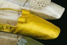 Accessories: 1830s / Hats, Gloves, Parasols, Purses & Shoes
