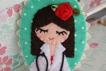 Broches y Stuff enfermeras / Broches, muñecas, camisetas, manualidades y gadgets para enfermeras, auxiliares de enfermería, celadores, cuidadores sanitarios y fanáticos de la salud.