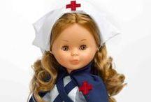 Juguetes médicos y enfermeras / Juguetes, muñecas, juegos y disfraces para niños sobre salud y profesiones sanitarias.