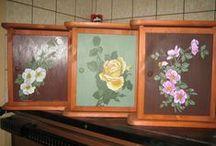 Puumaalauksia / erilaisia maalauksia puuesineille