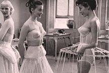 Torturas femeninas o la lucha por la apariencia / Para presumir hay que sufrir ? Las evidencias no pueden ser más claras. / by Gitana Varios