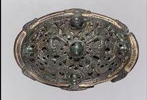 Viking age clothing - brooches and pins / Archaeological finds of Viking age brooches and pins.