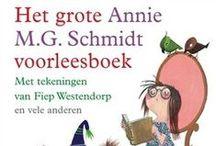 Bruna:  Leeskracht | Je groeit met Bruna / Lezen een superkracht? Jazeker! Als je kunt lezen, kun je op reis gaan door andere werelden. Je kunt het heelal verkennen of de geschiedenis ontdekken of in de huid kruipen van iemand anders. Om die superkracht te laten groeien vind je bij Bruna heel veel boekjes om mee te oefenen. Van voorlezen tot samen lezen en zelf lezen, op school én thuis. https://www.bruna.nl/leeskracht