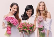 Friends we love / Beautiful women give meaning to flowers