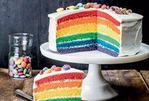De la couleur dans vos desserts / Rose, blanc, bleu, doré, vert, rouge... : on a tous envie de couleur et de fun dans la déco de nos gâteaux ! C'est par ici le nuancier de la gourmandise...