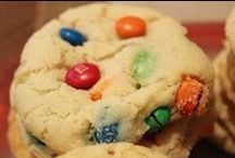 Cookies <3 / Cookies are tasty little pick me ups <3  / by Francesca