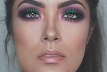 BEAUTY BLOGGERS / Check out how some of our favorite beauty bloggers rockin' their Urban Decay!