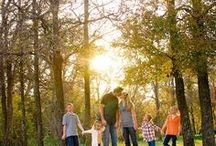Family Photography Ideas / Inspiring family photo images for great ideas when shooting family photos! This board is updated regularly.