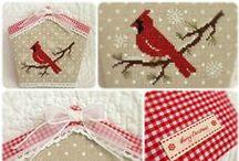 Natale a punto croce / anche se siamo in piena estate non resisto ai ricami natalizi... tante decorazioni, addobbi, cartoline.. / by il punto croce